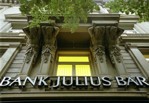 Resultado de imagem para banco julius bauer
