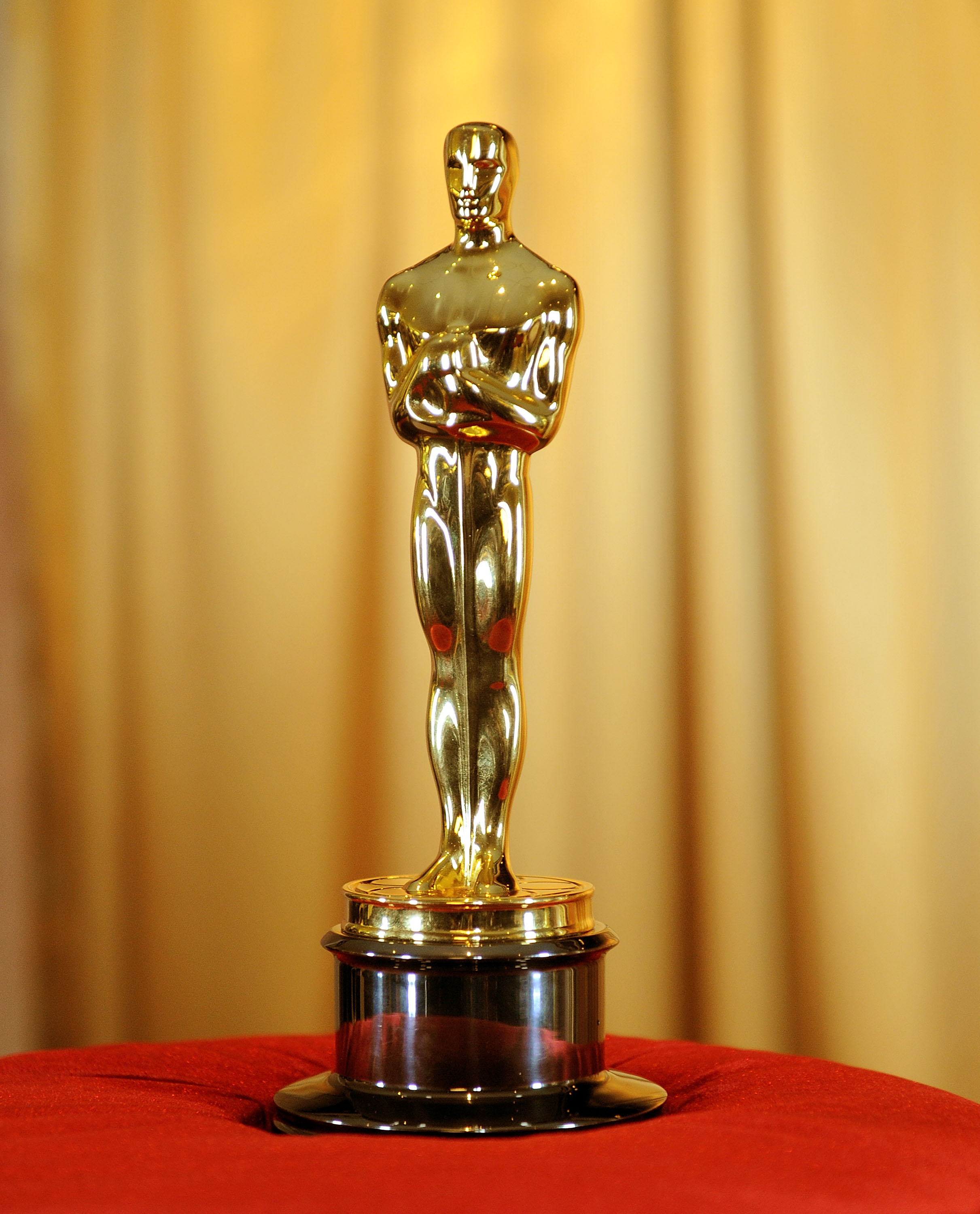 Temporada 3 Programa 10 Especial Oscars further Stock Photo Oscar Awards likewise Oscars also Animated Features Surge 19 Submitted Oscar 5999 furthermore Stock Photo Bafta Award Statue Bafta 95669256. on oscar award statue