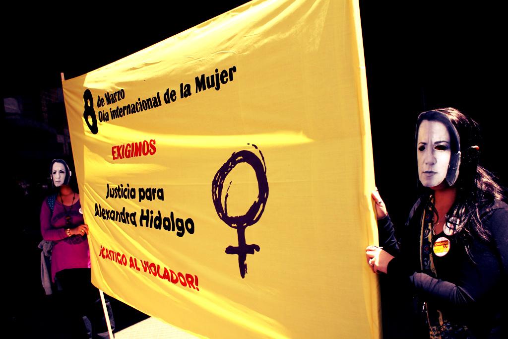 Activistas de Amnistía Internacional toman las calles en apoyo a las Mujeres