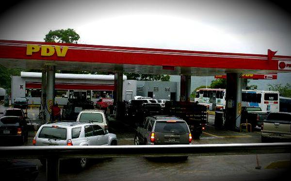 Infobae: Tras la devaluación, ¿llega el aumento de la gasolina en Venezuela?