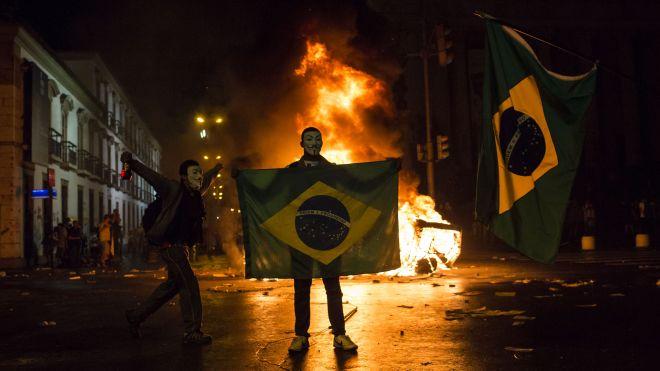 Las protestas en Brasil y sus posibles consecuencias por Marcos Alan Ferreira @marcosalan