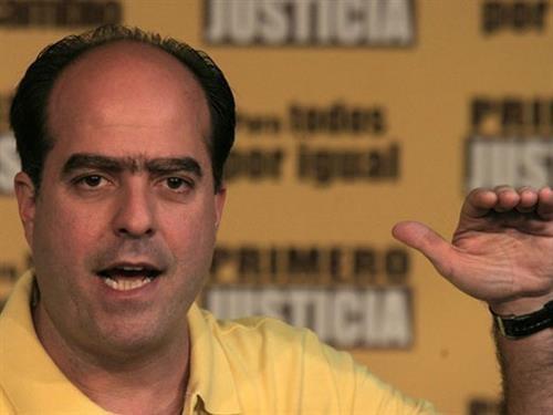 El coordinador nacional de Primero Justicia y diputado a la Asamblea Nacional, Julio Borges se refirió este domingo a los constantes anuncios económicos por ... - JulioBorges2