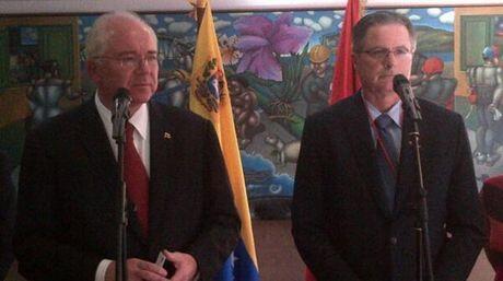 Venezuela,¿crisis económica? - Página 3 Ramirez-y-Watson-felices