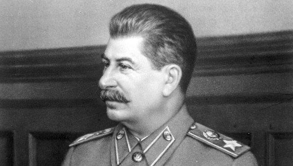Madurismo y Stalinismo por Brian Fincheltub