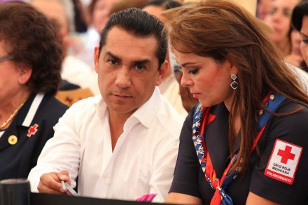 Iguala: El 'baile' de la muerte de un alcalde y su esposa