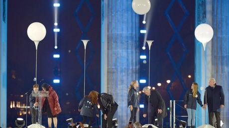 Celebracion-Alemania-Muro-Berlin-EFE_NACIMA20141109_0034_6