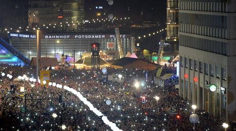 Celebracion-Alemania-Muro-Berlin-EFE_NACIMA20141109_0037_6