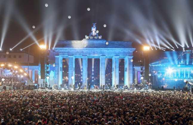 Celebracion-Alemania-Muro-Berlin-EFE_NACIMA20141109_0038_3