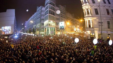 Celebracion-Alemania-Muro-Berlin-EFE_NACIMA20141109_0042_6