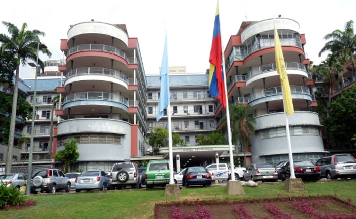 Trabajadores del Hospital Clínico Universitario convocan paro por mejoras salariales