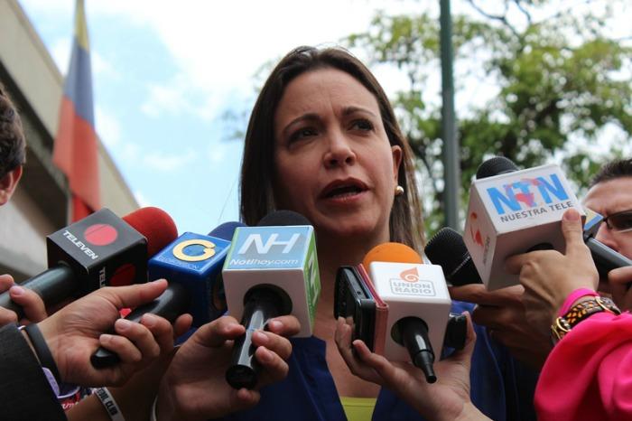 """María Corina Machado: """"Me cobran porque he dicho que esto es una dictadura"""""""