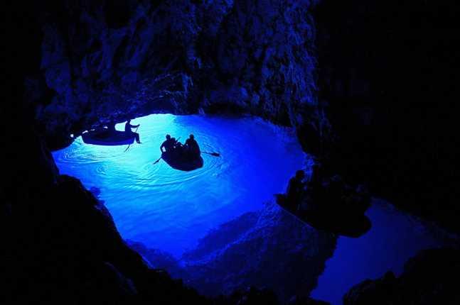 bisevo-blue-cave-1-1__880-647x430.jpg