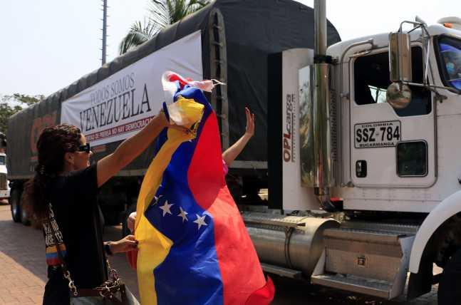 papelperiodicocolombia-venezuela-647x428.jpg