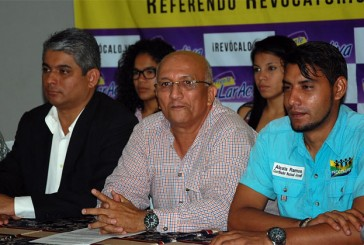 Formalizan ante el CNE solicitud de referendo contra el gobernador Henri Falcón