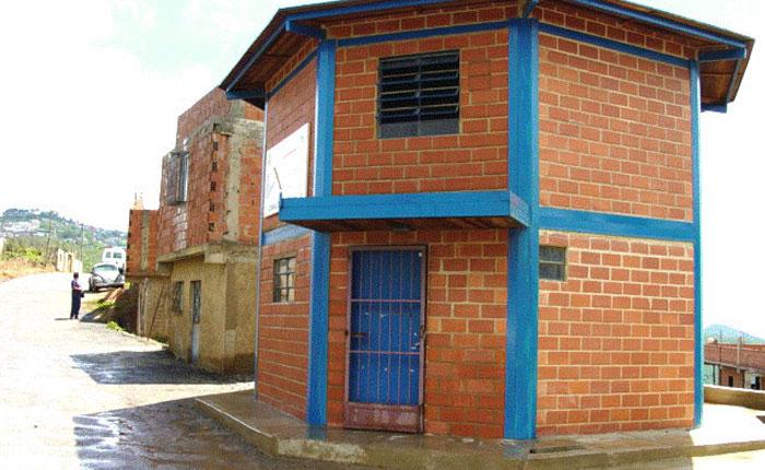 80% de los módulos de Barrio Adentro del país está cerrado
