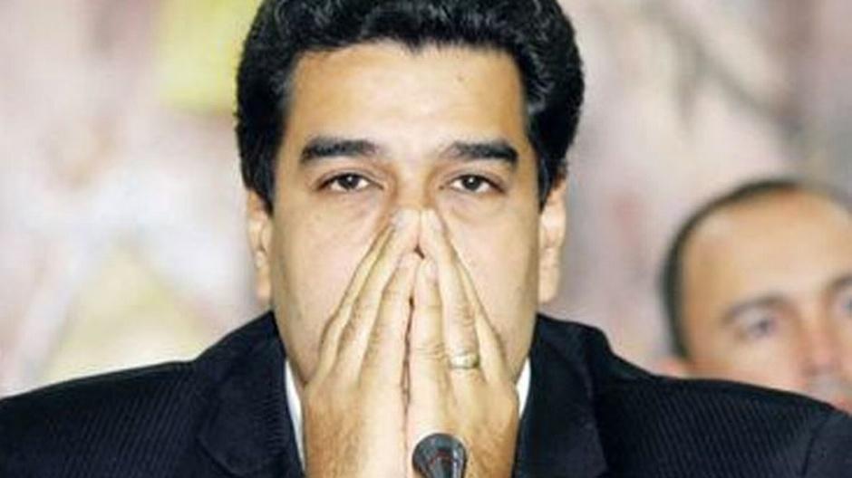 Presidente de Venezuela, Nicolás Madur. renuncia tras haberle amenazado con matar a su familia