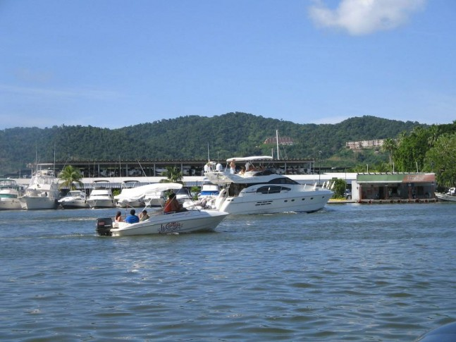Yate-en-Bahia-Redonda1-647x485.jpg