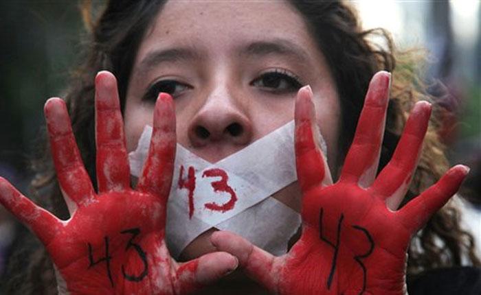 Masiva protesta en México por la desaparición de los 43 estudiantes