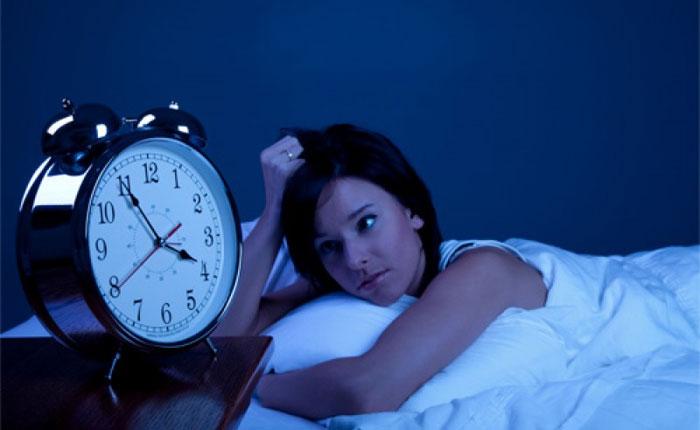 El insomnio puede reducir la estatura y aumentar el peso