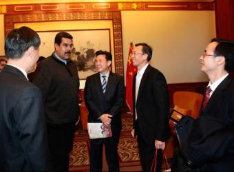 Maduro se reúne con empresarios chinos en Pekín