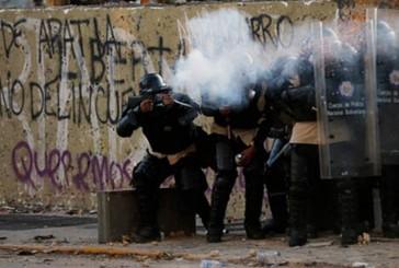 Aumento de represión el fin de semana y preeminencia solo a diálogo de ex presidentes