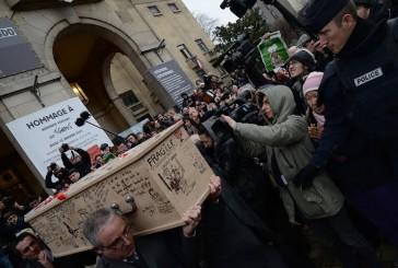 Así despidieron a los caricaturistas de #CharlieHebdo en París