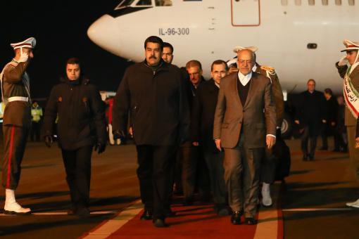 Llegó a Irán: El pueblo pelando y Maduro (sigue) viajando
