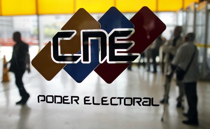 Diferidas elecciones primarias de la MUD y el PSUV
