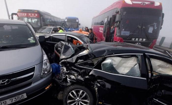 Más de 100 vehículos protagonizaron gigantesco choque en Corea del Sur (Fotos)