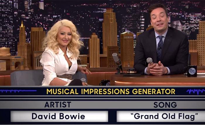 ¿Shakira? ¿Britney? No, es Christina Aguilera…