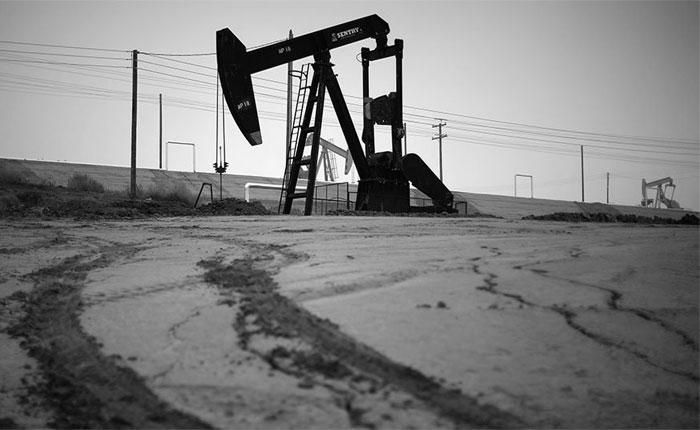 Estados Unidos estudia suspender la importación de crudo venezolano