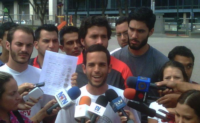 Movimiento estudiantil recolectará firmas para derogar la Resolución 008610