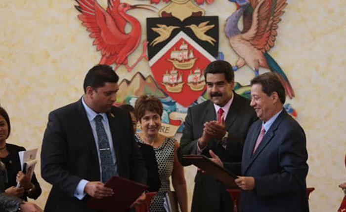 Trinidad y Tobago pacta explotación de hidrocarburos con Venezuela