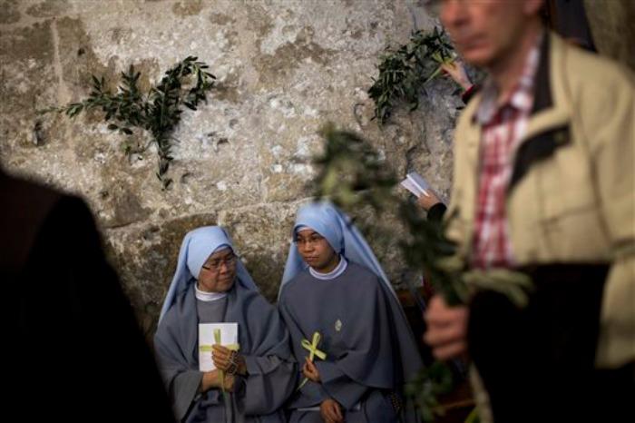 FOTOS Cristianos oran en Tierra Santa en el Domingo de Ramos