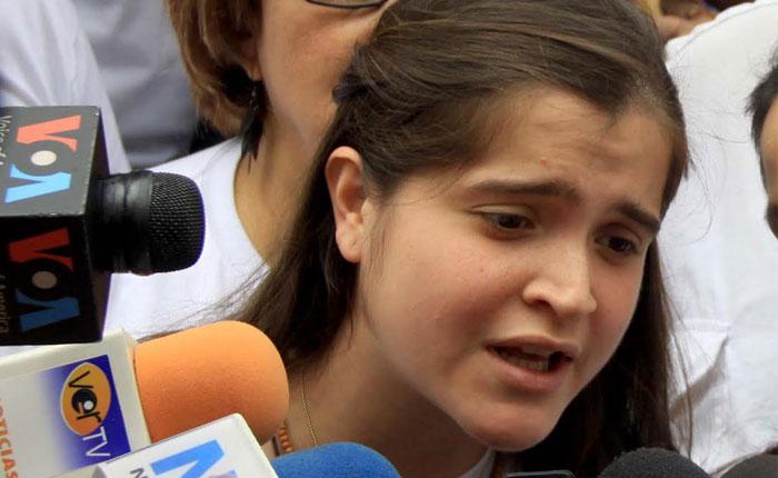 Liberada Antonieta Ledezma tras ser retenida en el aeropuerto