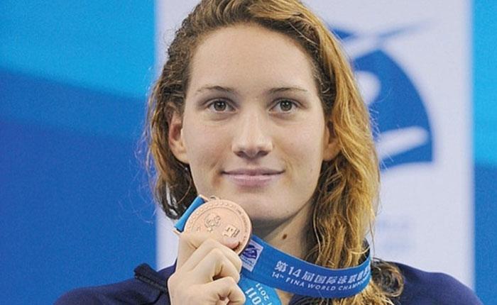 Muere campeona olímpica francesa Camille Muffat en choque de helicópteros