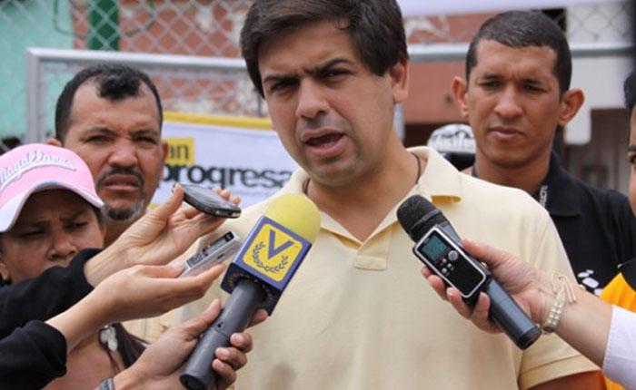 CarlosOcariz.jpg