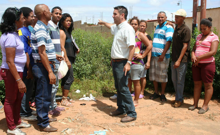 Concejal Prat denuncia abandono de la parroquia Unare