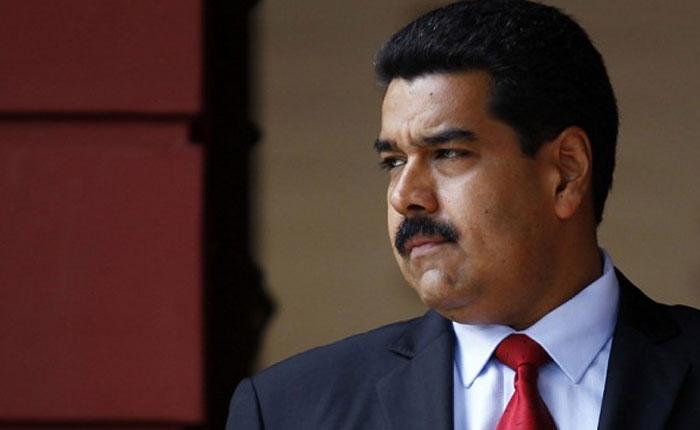 """Maduro se hace el """"loco"""" ante la lluvia de críticas del chavismo"""