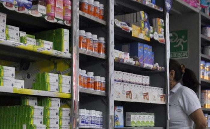 Persiste escasez de medicamentos