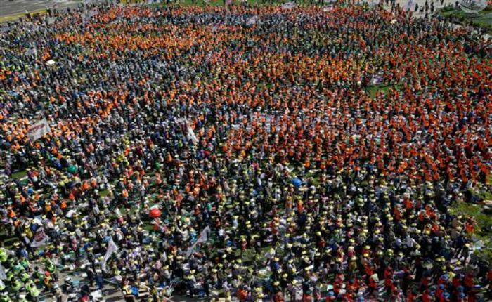 Segundo día de protestas contra el gobierno de Corea del Sur