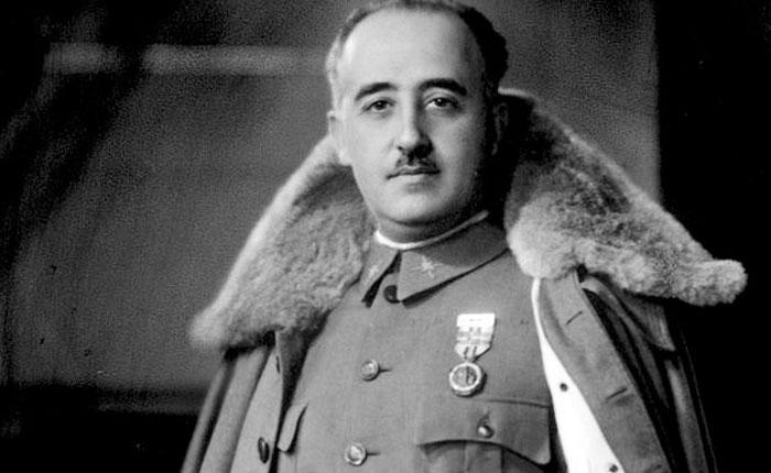 Franco el bolivariano por Elías Pino Iturrieta