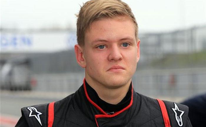 Hijo de Schumacher es piloto de prueba en Fórmula 4