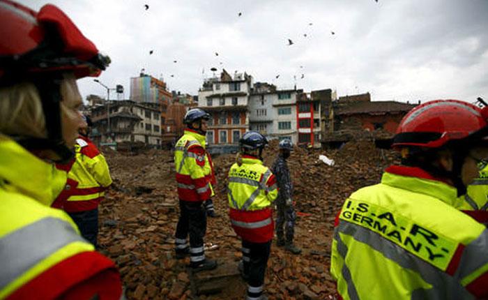 Más de 5.000 muertos y 10.000 heridos causa el terremoto en Nepal