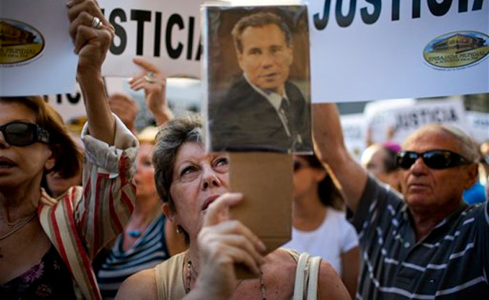 Fiscal desestima denuncia de Nisman contra Fernández