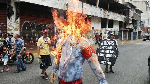"""Los """"Judas"""" de hoy: Maduro y Obama"""