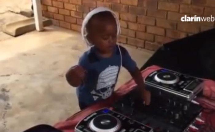 Este es el DJ de 2 años que causa sensación en el mundo