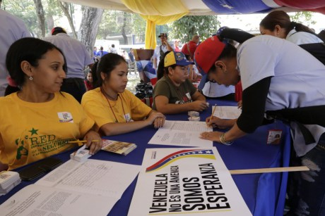 CNE certificará firmas contra el decreto de Obama
