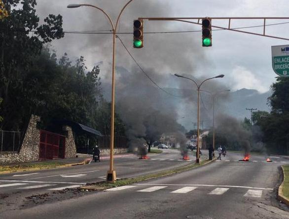 Protestan en Mérida por muerte de dirigente estudiantil