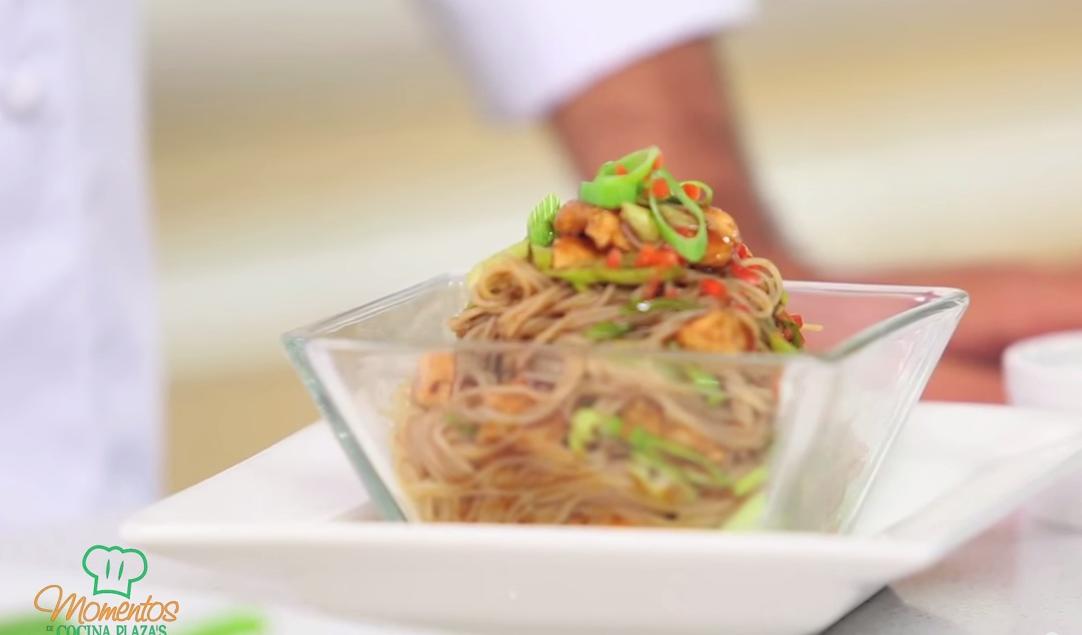 Chef Víctor Moreno y Marcela Reyes ofrecen recetas fáciles en la web